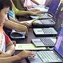 AP استفاده کودکان چینی از اینترنت/عکس از